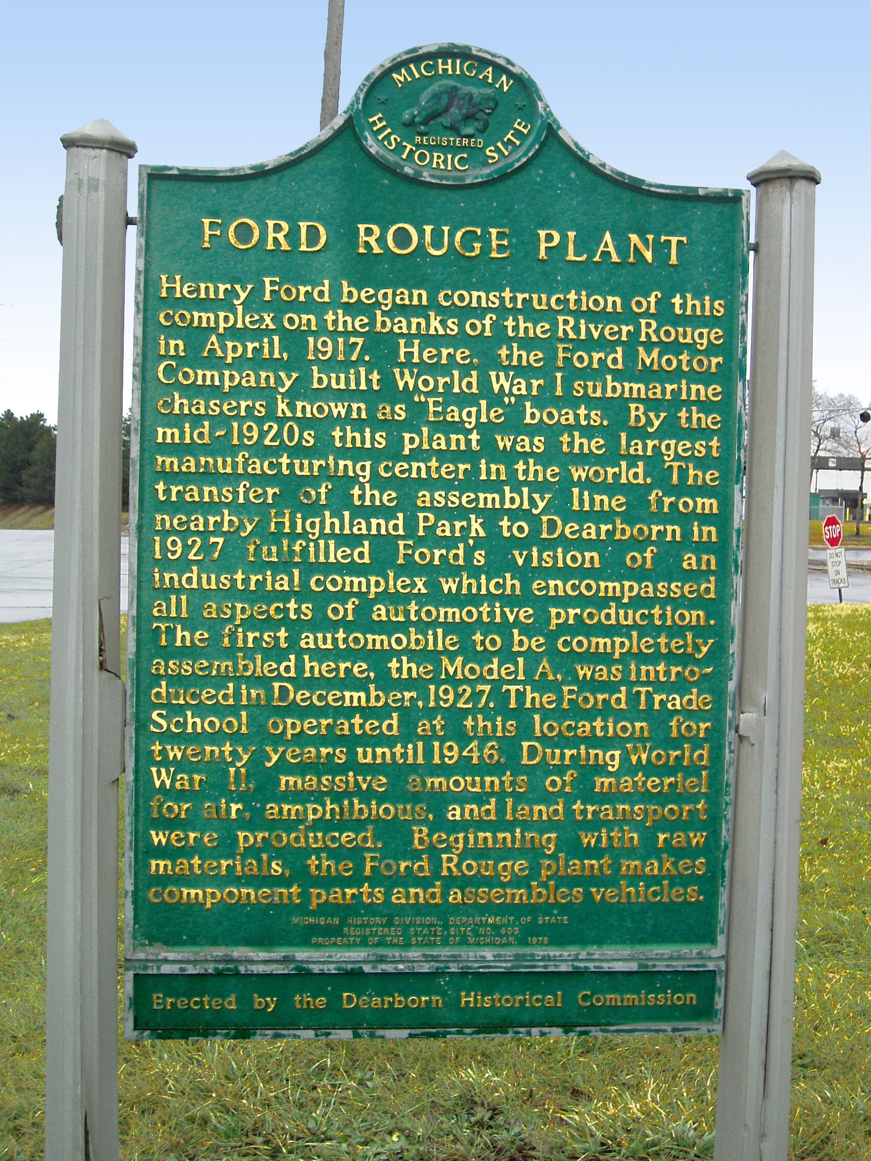 a report on the picture of the river rouge assembly plant in dearborn michigan The ford river rouge complex automobile factory complex located in dearborn, michigan, along the river rouge of the legendary dearborn assembly plant.